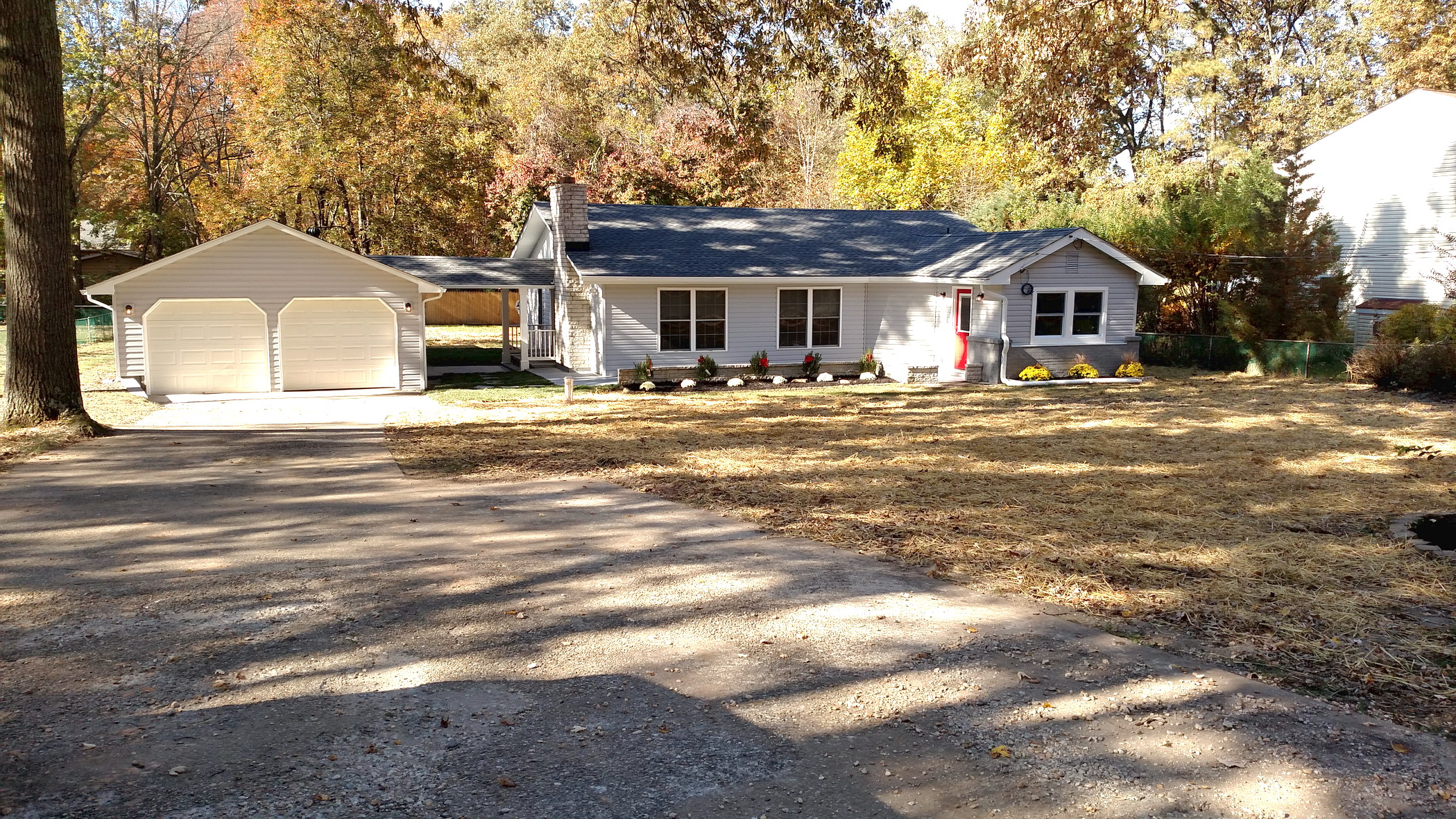 2016 11 08 8342 Elm Rd Front Of House 6